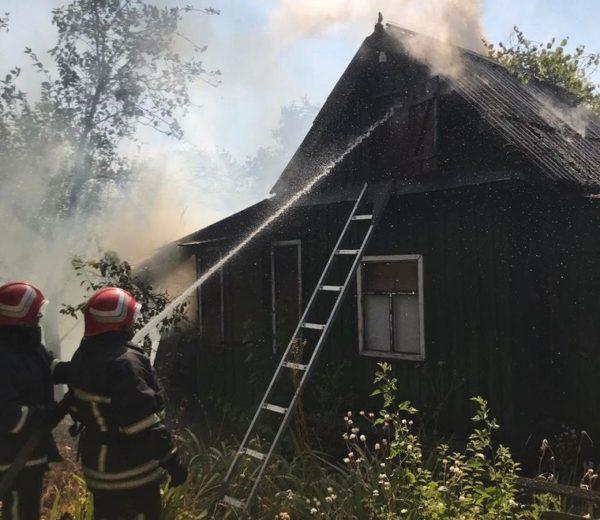 Александрийские спасатели потушили два пожара