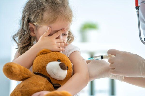 Можно ли делать прививки во время пандемии?