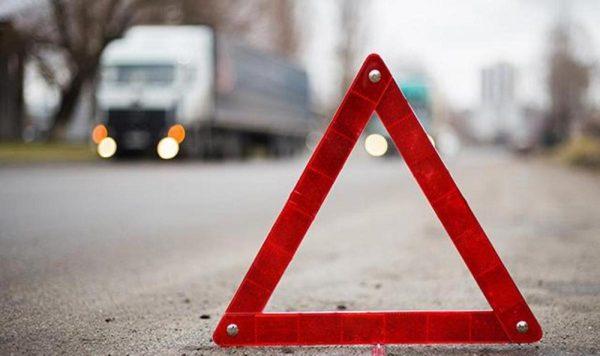 В Александрийском районе легковушка столкнулась с грузовиком, погибли два человека