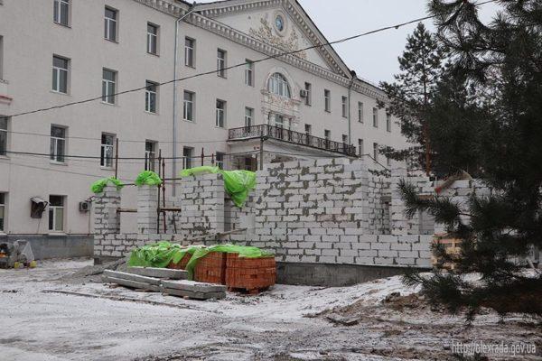 В александрийской больнице строят новое приемное отделение (ФОТО)