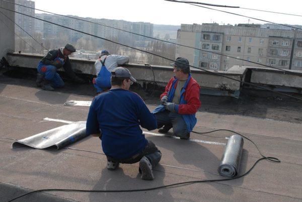 В Александрии отремонтировали кровли крыш 5 многоэтажек