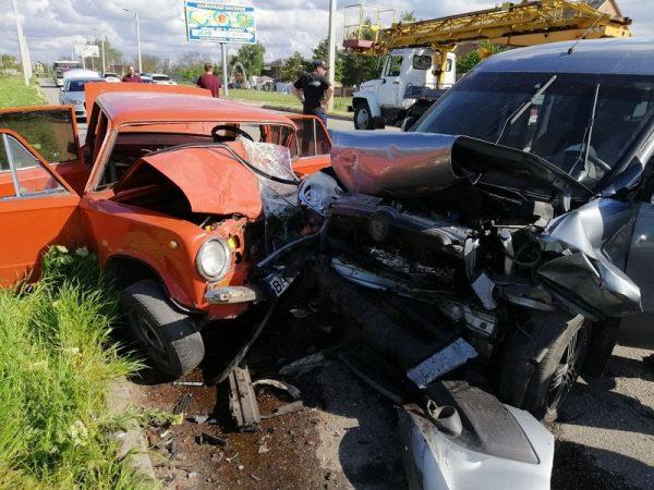 Спасатели ликвидировали последствия двух ДТП, которые произошли в Александрийском районе и в Кропивницком (ФОТО)