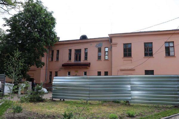 В городской больнице начался капитальный ремонт инфекционного отделения (ФОТО)