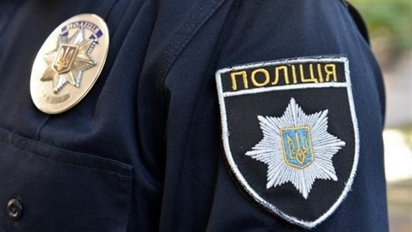 41-летнего жителя Кировоградской области задержали при передаче части взятки полицейскому