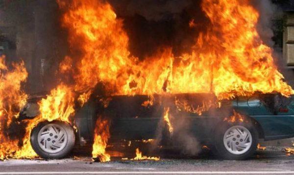 В Александрии ночью сгорел «Mercedes-Benz Vito»