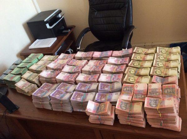 Бывшего военного подозревают в растрате более 170 тысяч гривен из государственного бюджета