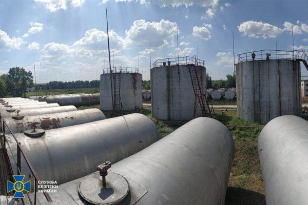 В Кировоградской области разоблачили «бизнесменов», которые изготавливали бензин на основе спирта и продавали его на АЗС (ФОТО)