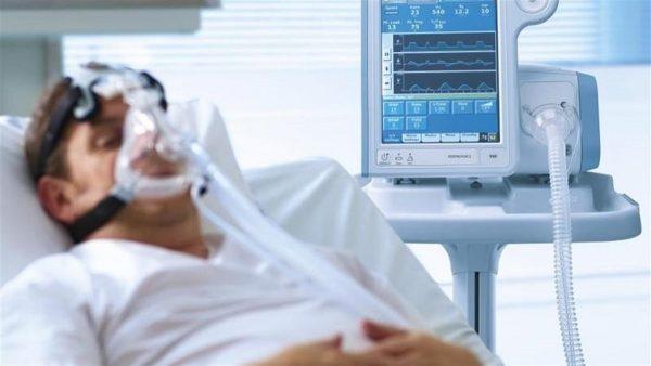 В Александрии человека, больного коронавирусом подключили к аппарату ИВЛ