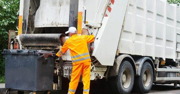В Александрии «Житлосервис-1» пытался с помощью шантажа повысить тарифы на вывоз мусора