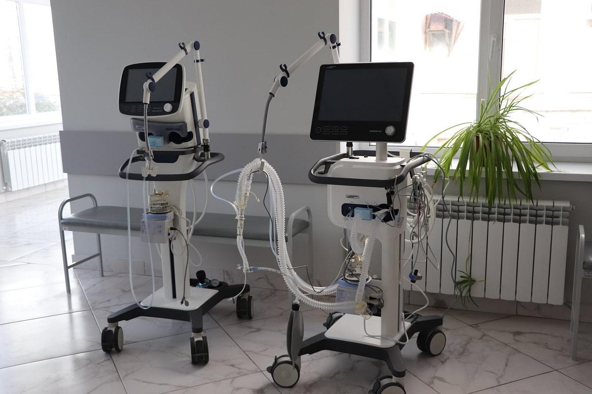 Для центральной городской больницы Александрии приобрели два новых аппарата ИВЛ